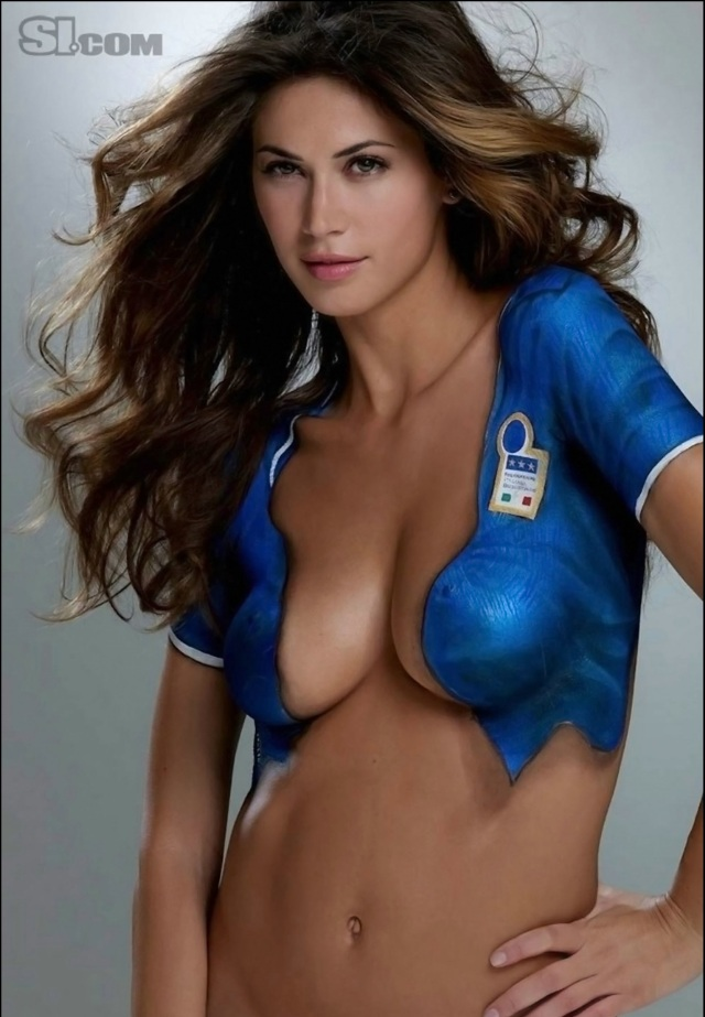 Rachel hunter body paint