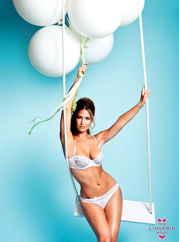 Stunning model September Carrino struts her stuff in sexy lingerie № 222351  скачать